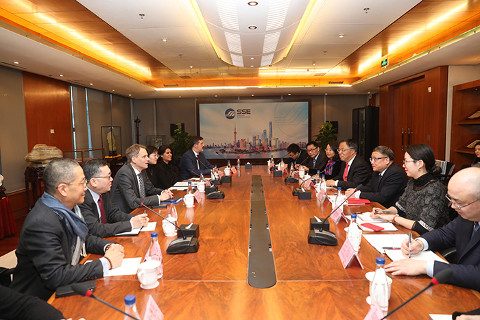 Dr. HUANG Hongyuan, SSE Chairman, and Mr. JIANG Feng, SSE President, met with delegates from Deutsche Borse Group