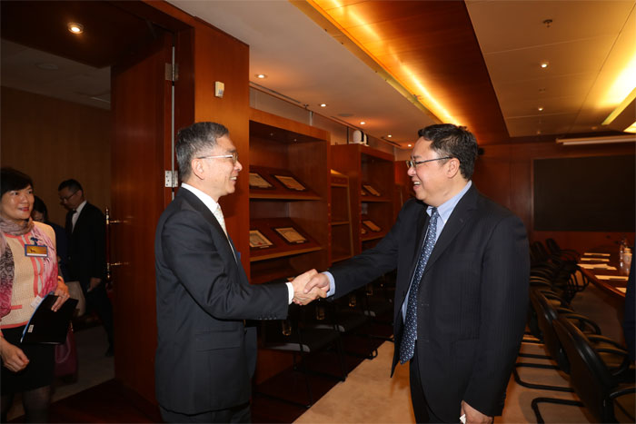 Dr. HUANG Hongyuan, SSE Chairman, met with delegates from Hong Kong Financial Services and the Treasury Bureau (FSTB).