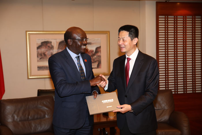 Mr. Wu Qing, SSE Chairman, met with Mr. Mukhisa Kituyi, Secretary-General of United Nations Conference on Trade and Development (UNCTAD)
